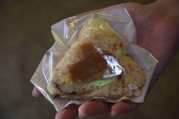 錦市場.中央米穀 -- 松茸飯糰