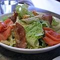 Pumpernickel -- 燻鮭魚凱撒沙拉