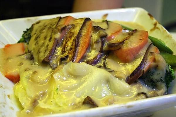 菓一道 -- 茄子素肉千層奶汁焗飯