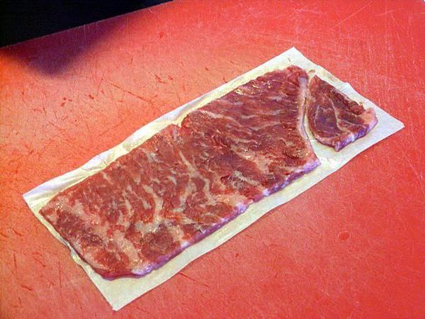 SPOON -- 別先給著把牛肉下的紙撕掉啊