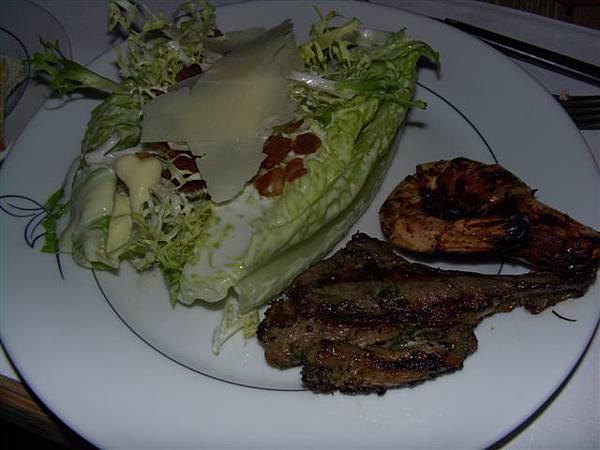 The Grill -- 凱撒沙拉、烤小羊扒和烤大蝦