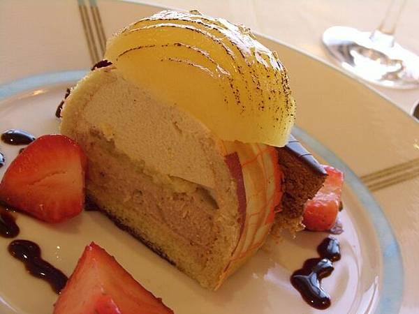 Petrus -- 香梨栗子慕絲蛋糕