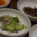 莊園 -- 翠玉瓜炒磨菇 & 蜜漬小魚乾