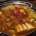 莊園 -- 辣醬牛腸火鍋