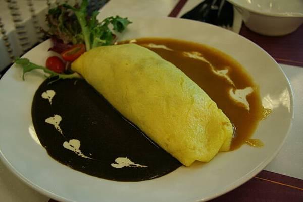 咖喱物語 -- 兩色咖喱蛋包飯
