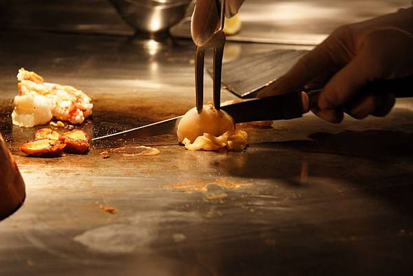 松菱 -- 扇貝 (烹調中)