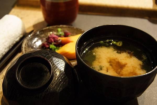 松菱 -- 醬菜 & 味噌汁