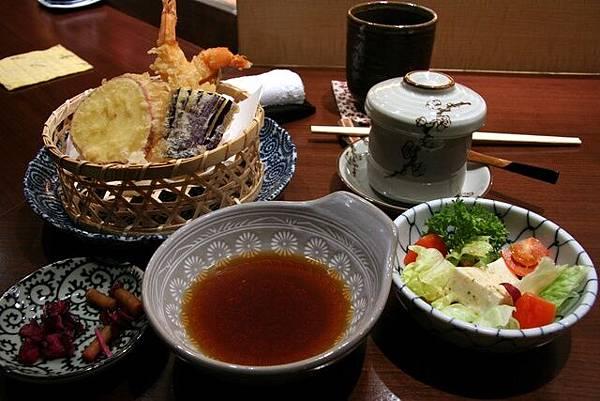 月の麗鮨旬菜 -- 天婦羅定食