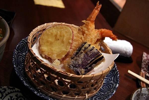月の麗鮨旬菜 -- 雜錦天婦羅