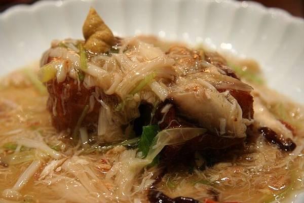 月の麗鮨旬菜 -- 懷石料理的煮物
