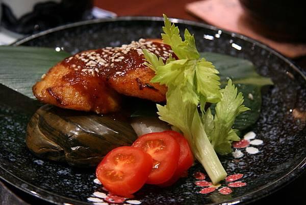 月の麗鮨旬菜 -- 懷石料理的燒物