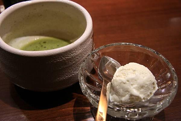 月の麗鮨旬菜 -- 抺茶 & 牛奶冰淇淋