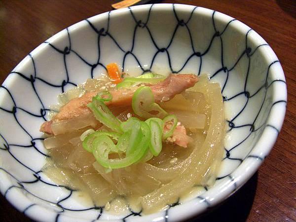 月の麗鮨旬菜 -- 煮蘿蔔絲 (先付)