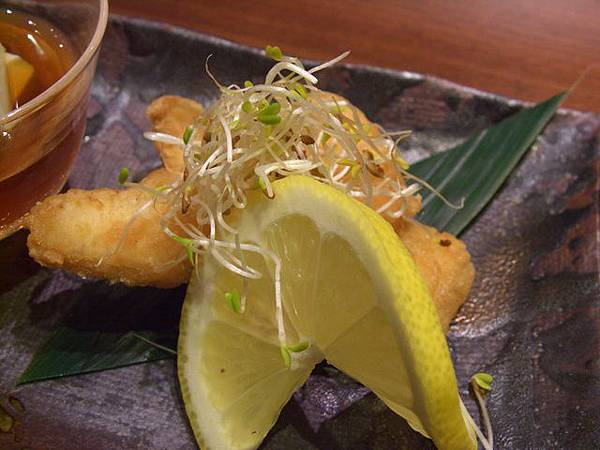 月の麗鮨旬菜 -- 炸魚塊
