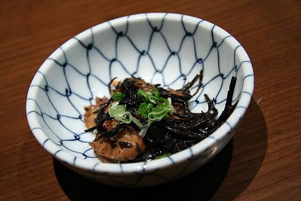 月の麗鮨旬菜 -- 煮羊栖菜