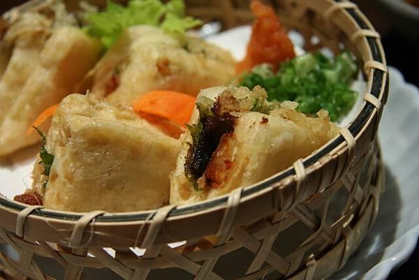 月の麗鮨旬菜 -- 炸鰻魚豆腐