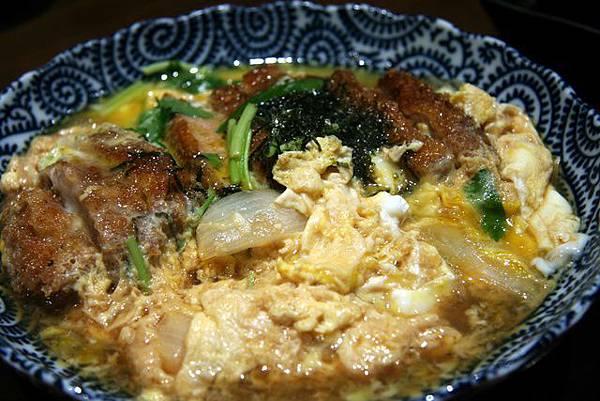 月の麗鮨旬菜 -- 滑蛋炸豬扒