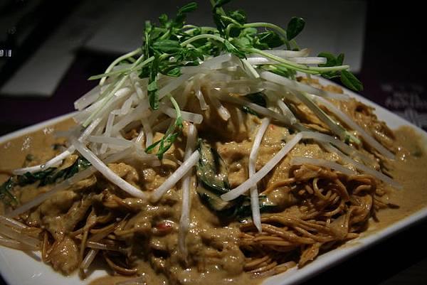 Simply Thai -- 紅咖喱蟹肉炒麵
