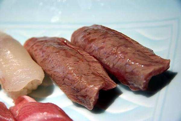 湖舟 -- 特上壽司 (灸燒牛肉)