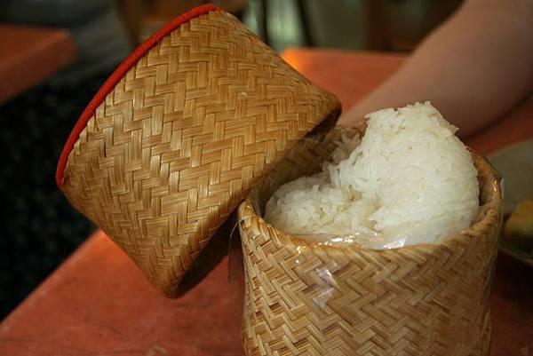 泰成菜館 -- 原來是糯米飯!