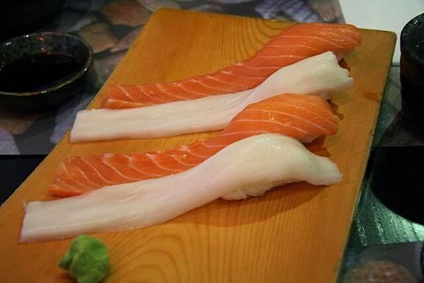 昭陽 -- 鮭魚 & 白玉豚壽司