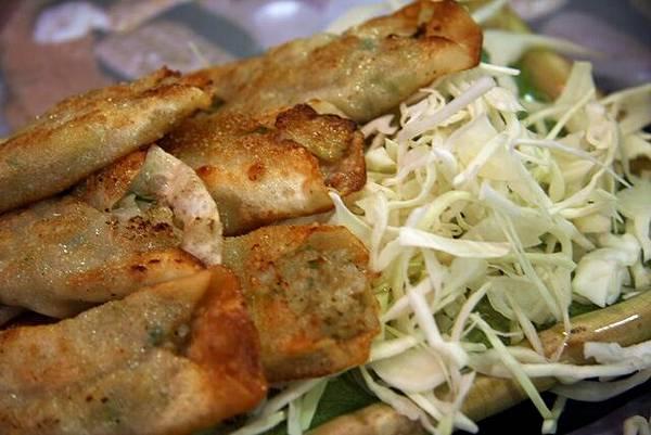 昭陽 -- 脆軟骨餃子