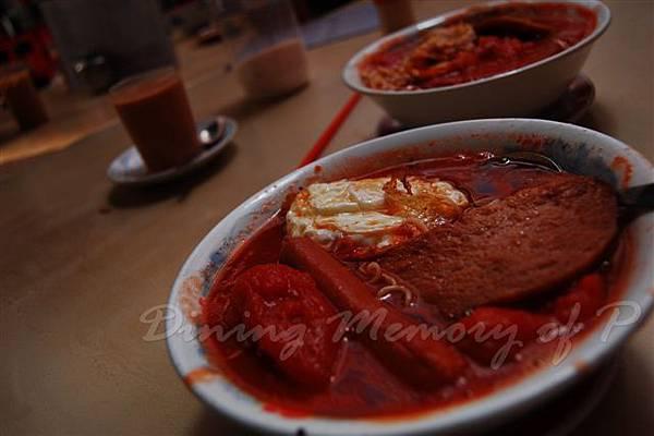 勝香園 -- 蕃茄香腸餐肉煎蛋麵