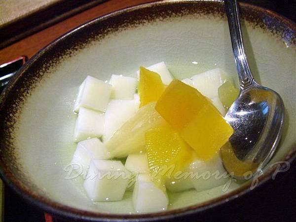 德家 -- 杏仁豆腐