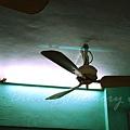祥利冰室 -- 吊扇