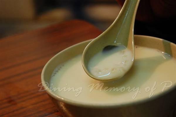 強記美食 -- 腐竹薏仁糖水