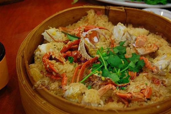 得龍大飯店 -- 籠仔花蟹糯米飯