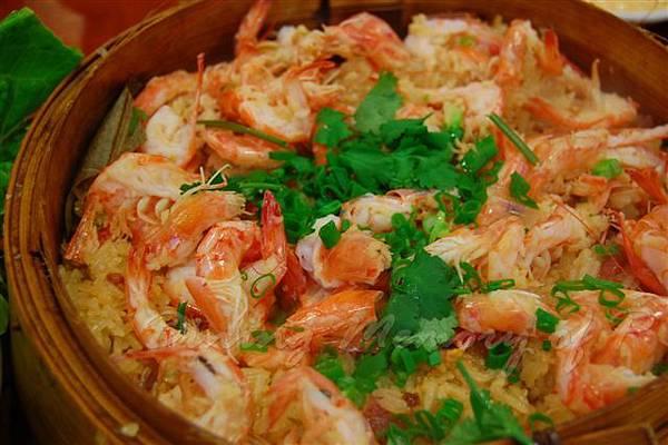 得龍大飯店 -- 籠仔鮮蝦糯米飯