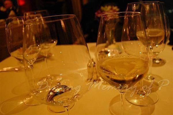Petrus -- Chardonnay Single Vineyard, Uva Mira 2005, Stellenbosch, South Africa (in glass)