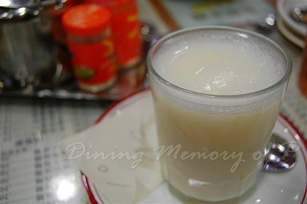 金華茶冰廳 -- 杏仁霜
