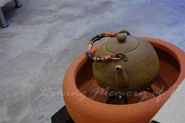 好雪片片 -- 小火爐 & 茶壺