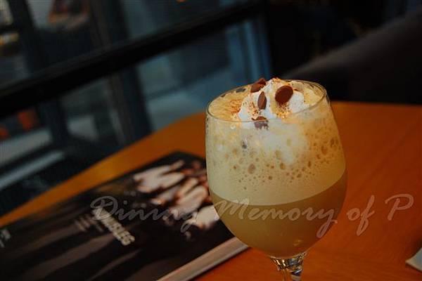 Habitu Cafe -- 威士忌冰搖咖啡