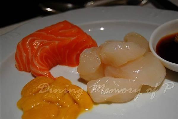 麗嘉酒店咖啡廳 -- 鮭魚、元貝、海膽