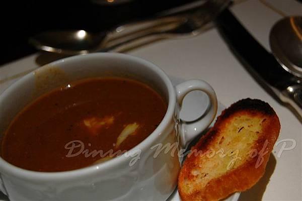 麗嘉酒店咖啡廳 -- 普羅旺斯魚湯