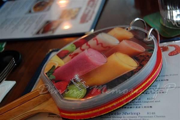 阿甘蝦餐廳 -- 乒乓球拍飲料單子