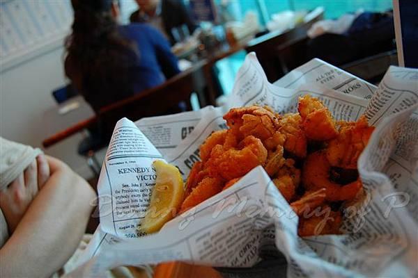 阿甘蝦餐廳 -- 炸海鮮桶