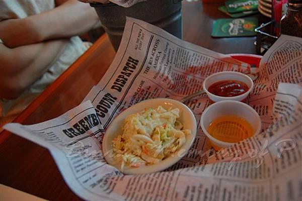 阿甘蝦餐廳 -- 菜絲沙拉、蕃茄醬、融化奶油
