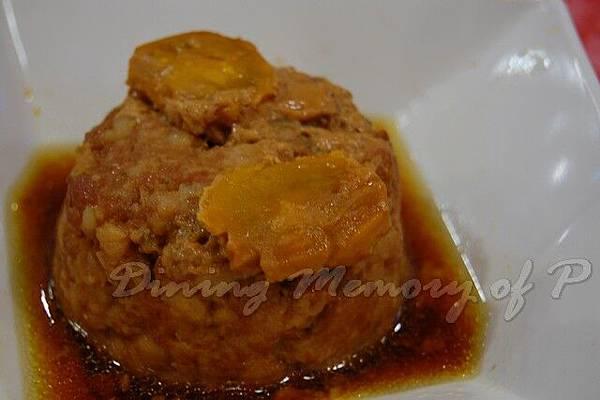 大婆牛肉麵 -- 蛋黃肉