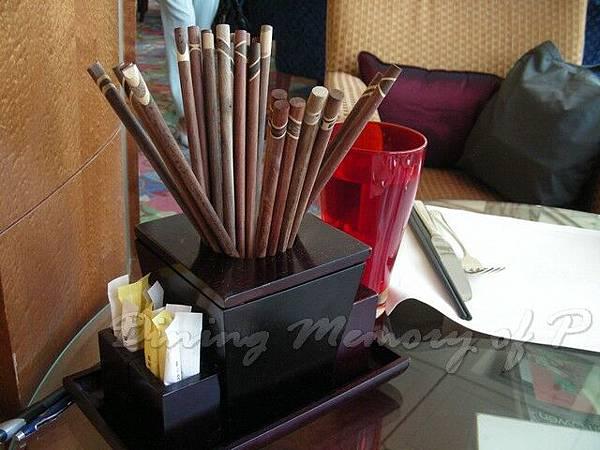 萬豪酒店咖啡室 -- 桌上的調味料