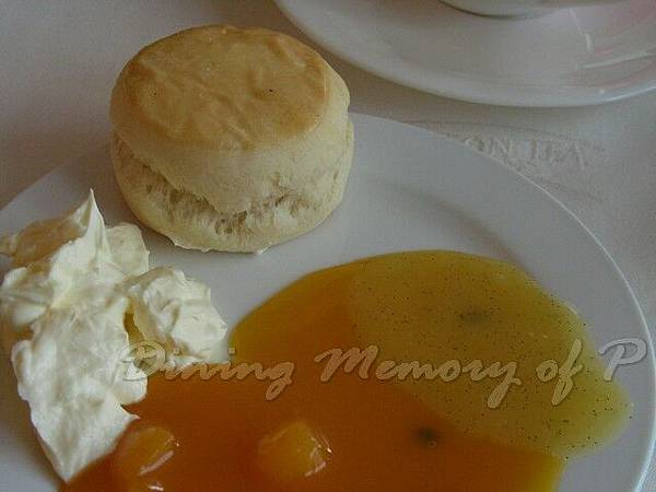 萬豪酒店咖啡室 -- 司康餅 (杏桃、百香果、芒果醬汁)