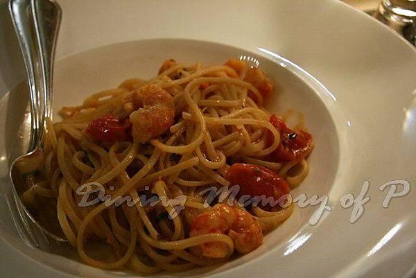 Toscana -- 蕃茄蝦子小舌麵