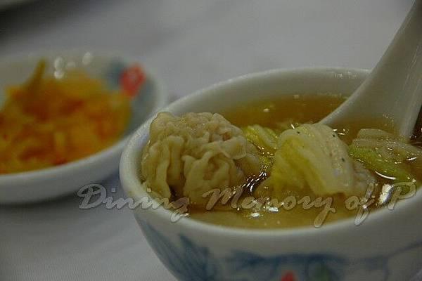 寧波旅港同鄉會 -- 砂鍋雲吞雞