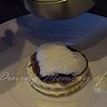 十二月 -- 把奶油泡沫輕輕澆到通心麵上 (3)