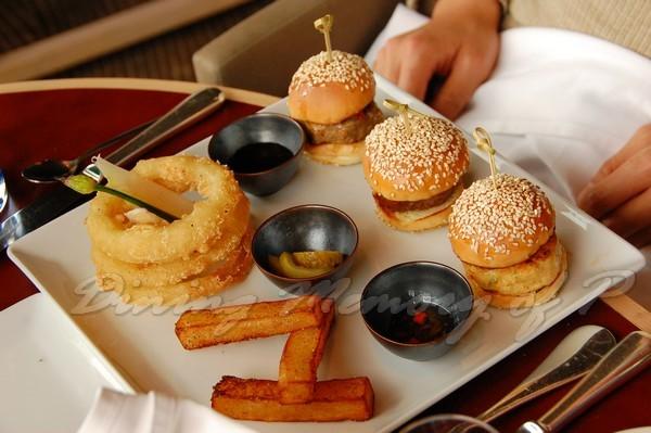 SPOON -- 三色漢堡