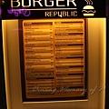 Burger Republic -- 門前菜單