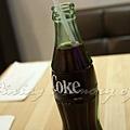 Burger Republic -- 玻璃瓶可口可樂